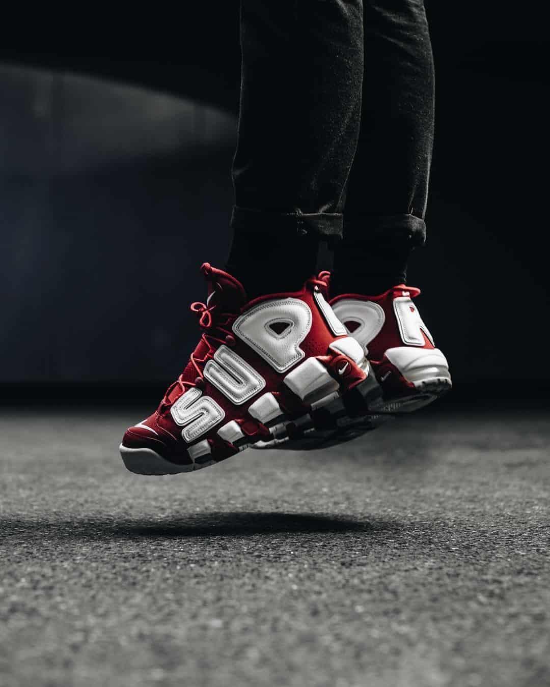 Đôi giày khi trên chân khá hầm hố