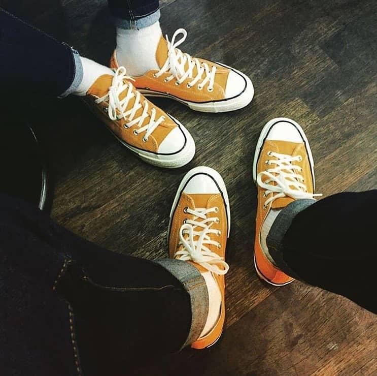 Cách phối đồ của giày converse vàng cổ cao