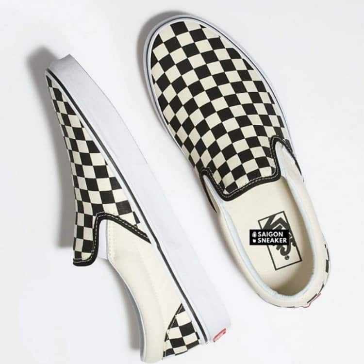 Đôi Vans Slip on Checkerboard chính là best seller của Vans năm 2018