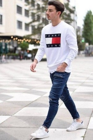 Stan Smith có thể kết hợp với mọi trang phục (nguồn: internet)