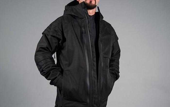 Outer Layer là một item cần thiết tạo thành một outfit Techwear hoàn hảo