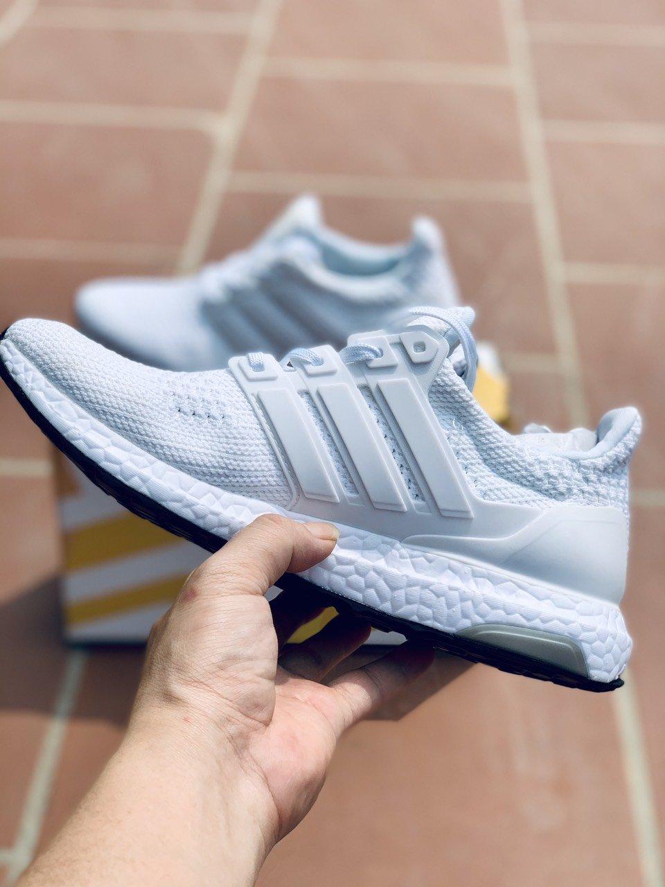 Giày thể thao Ultra Boost 4.0 Triple White Nam || Nữ