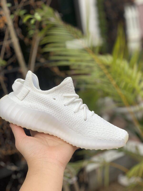 Giày thể thao Yeezy Boost 350 V2 Cream White mặt bên