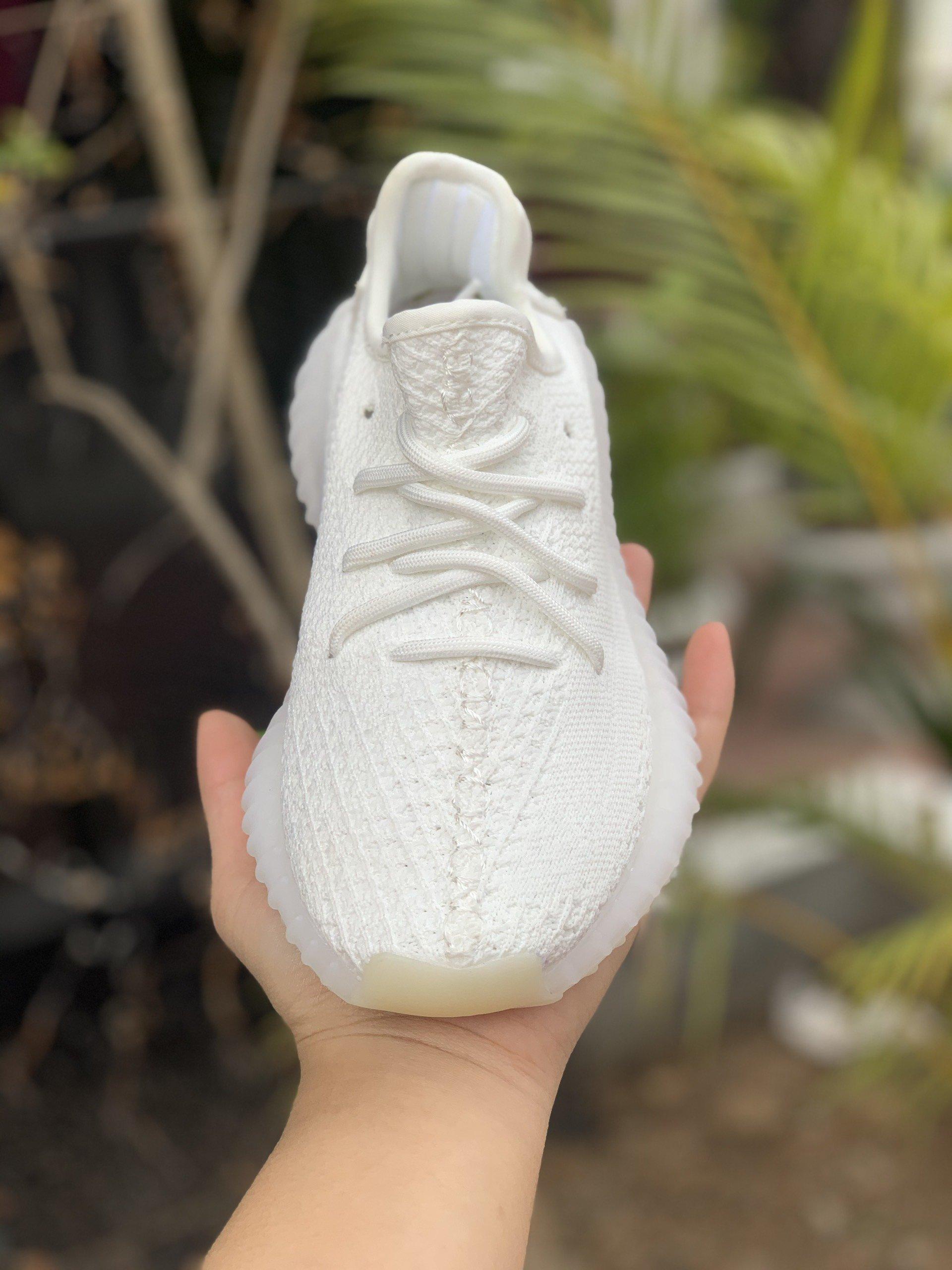 Giày thể thao Yeezy Boost 350 V2 Cream White mặt trước