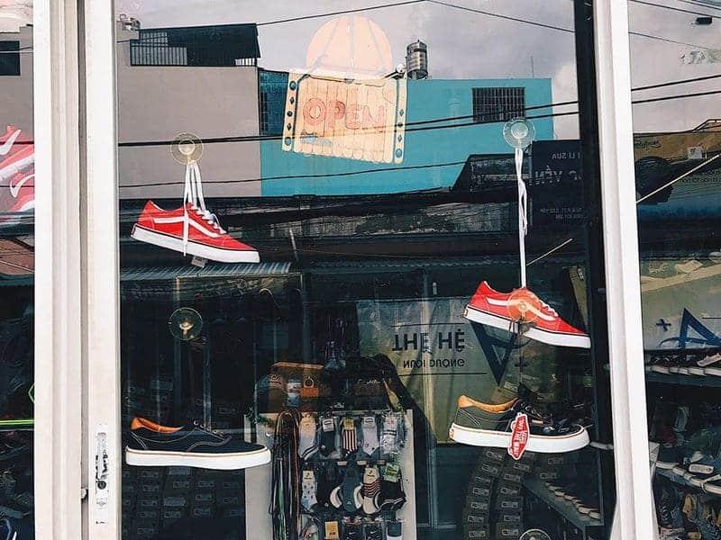 top 9 shop giay sneaker o tphcm an chuong shoes 2