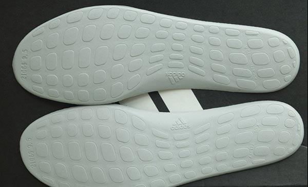 Phan biet giay adidas auth qua code adidas tren lot giay