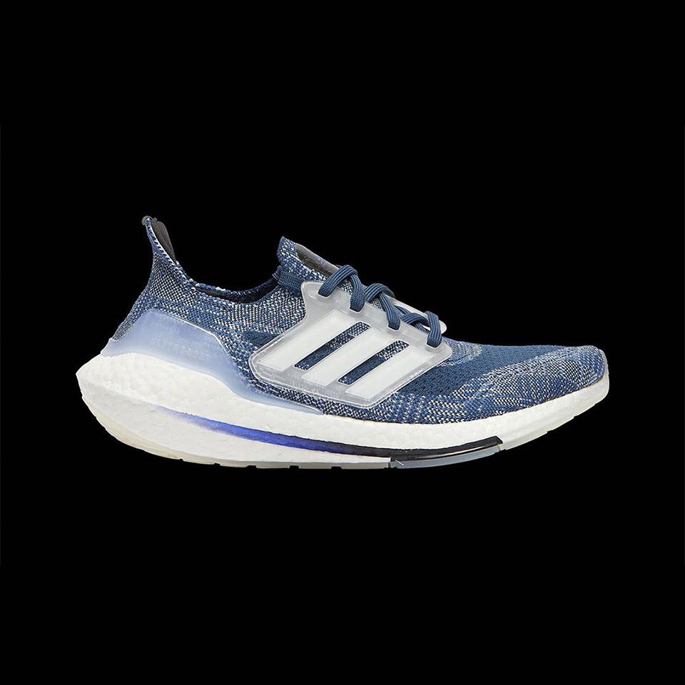 Giay Adidas Ultra Boost 2021 la mot doi giay chay bo