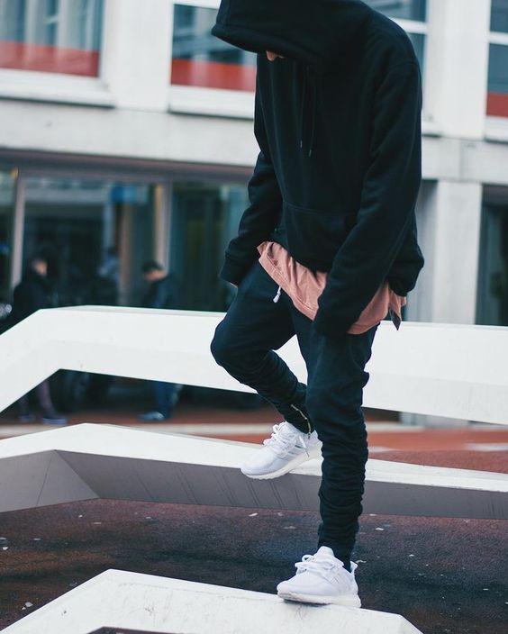Phoi do voi giay the thao Adidas Ultra Boost trang