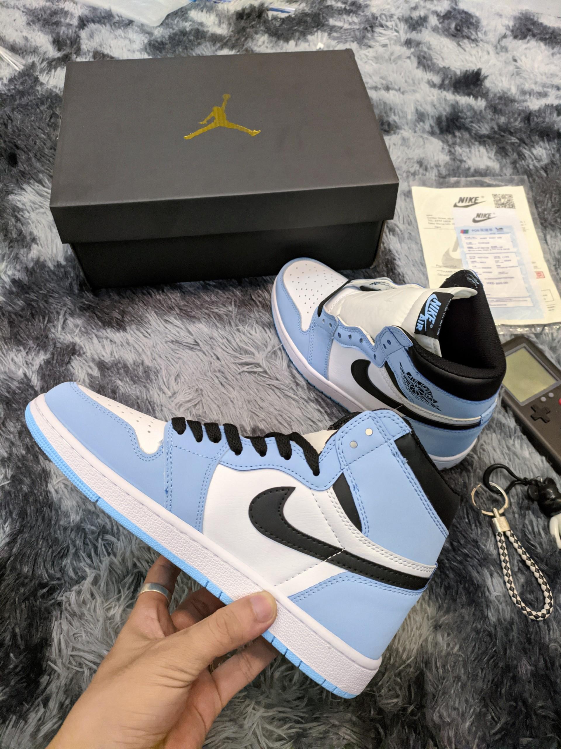 Giày Thể Thao Nike Air Jordan 1 Retro High OG University
