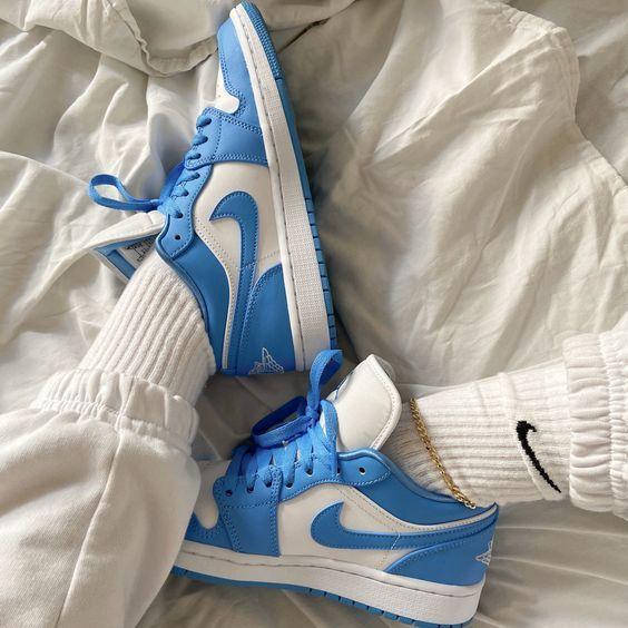 Nike Air Jordan 1 Low UNC 7