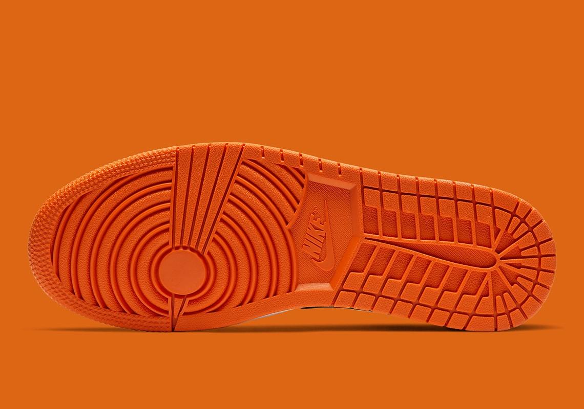 Giày Thể Thao Nike Air Jordan 1 Low Shattered Backboard mặt đế