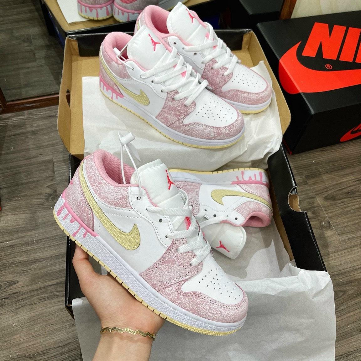Giày Nike Air Jordan 1 Low Paint Drip màu hồng cá tính cho bánh bèo