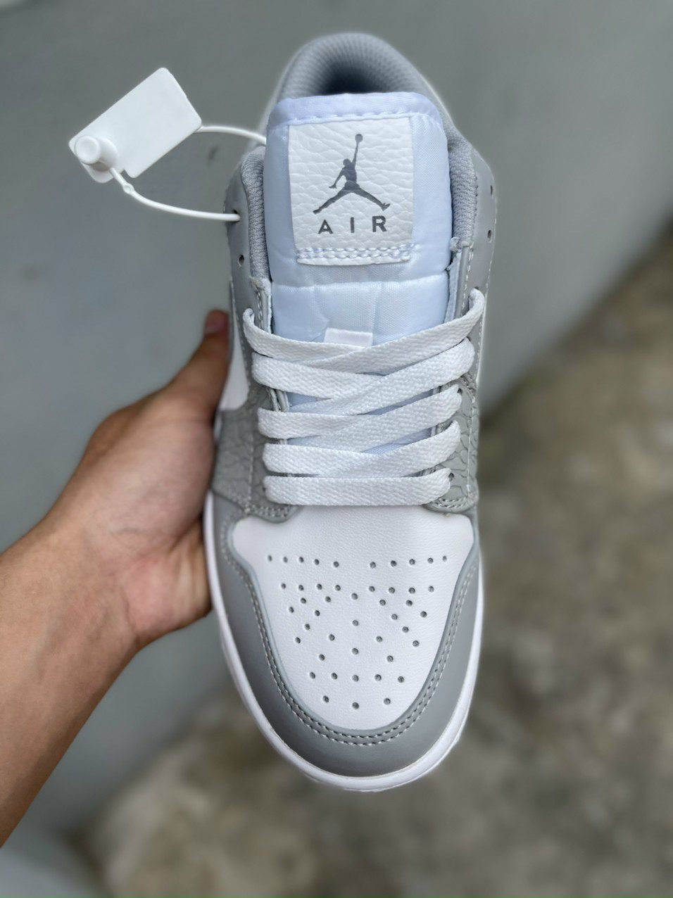Air Jordan 1 Low Berlin Grey 4