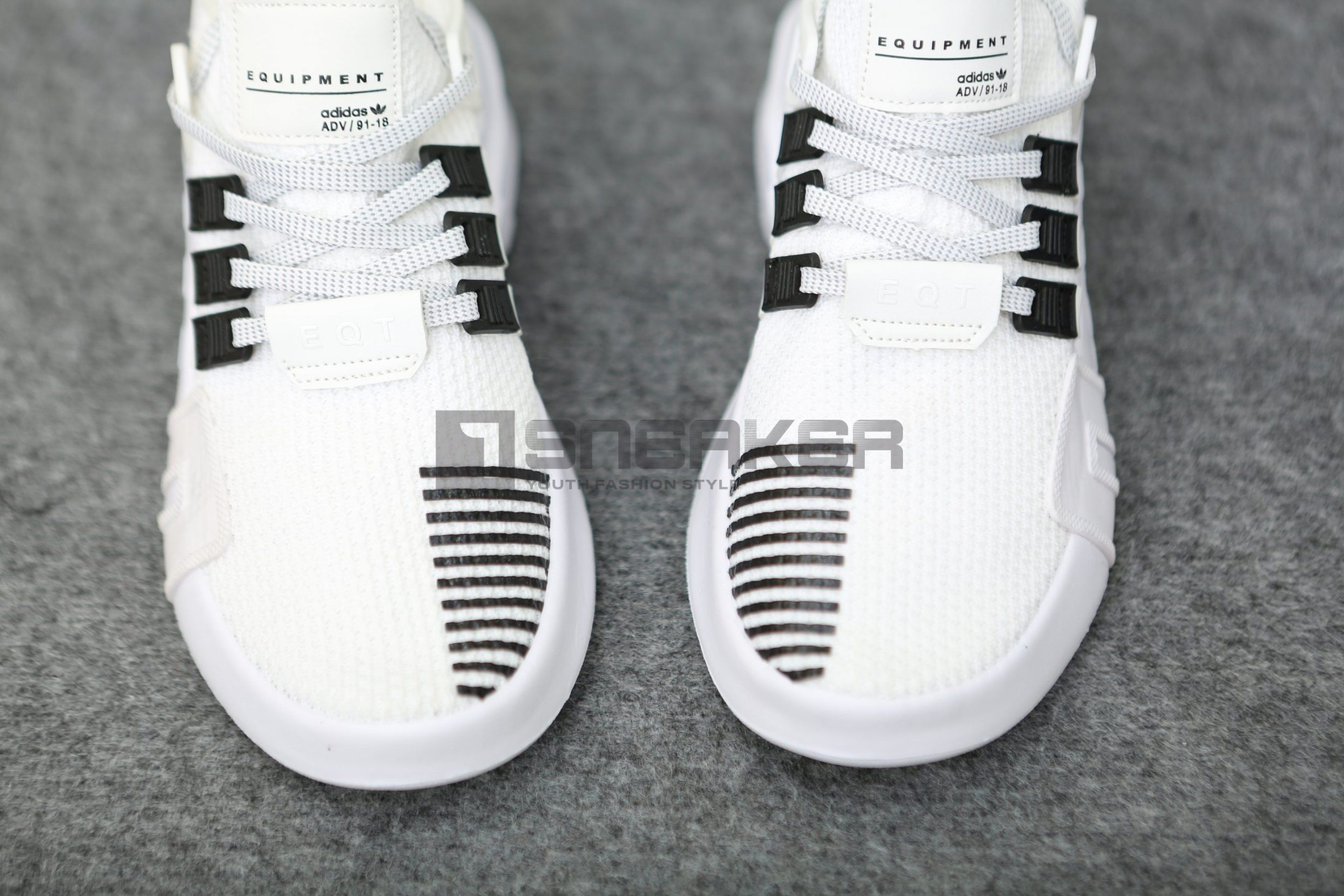 Adidas EQT Bask ADV trang den phan quang 9 scaled