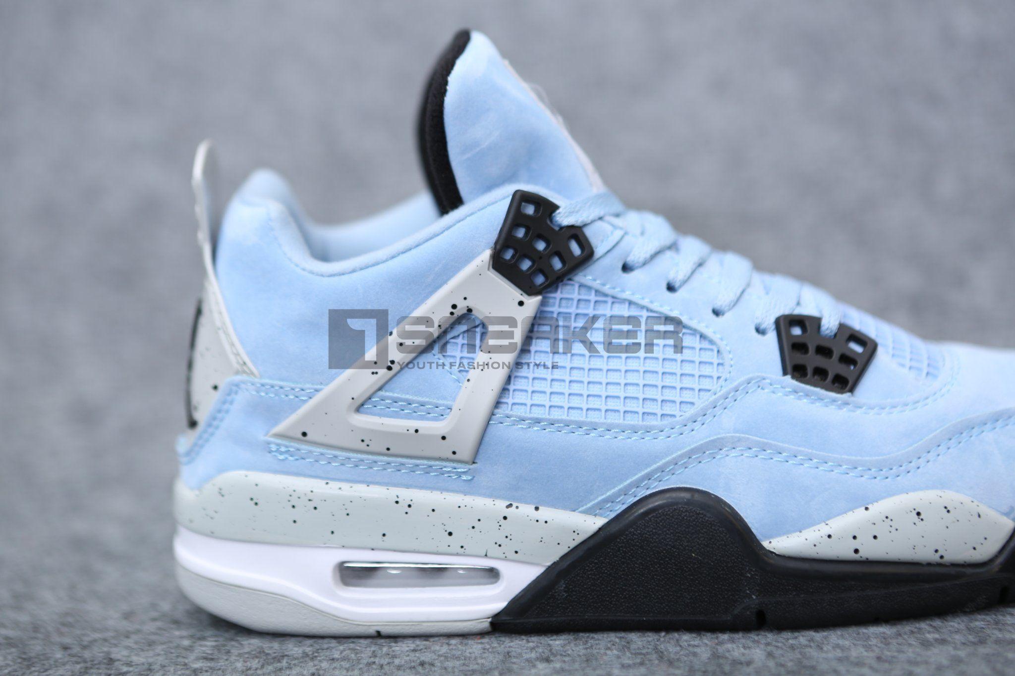 Giày Jordan 4 University Blue sử dụng lưới