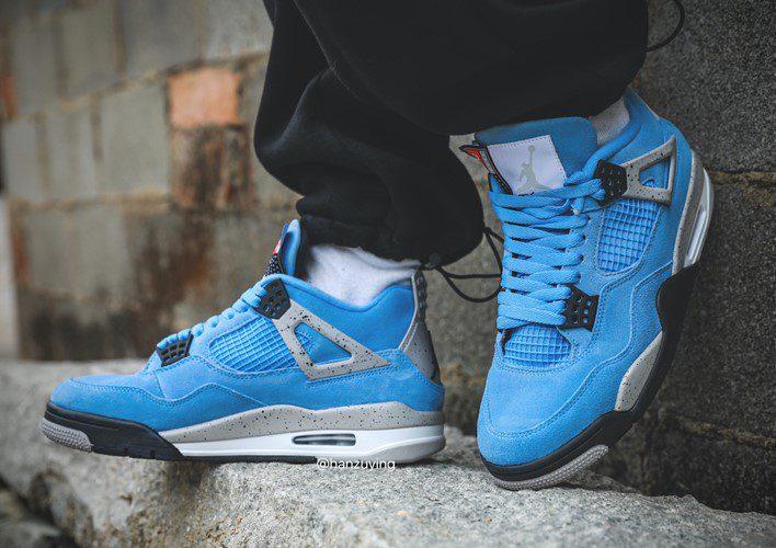 Nike Air Jordan 4 Retro GS University Blue 2