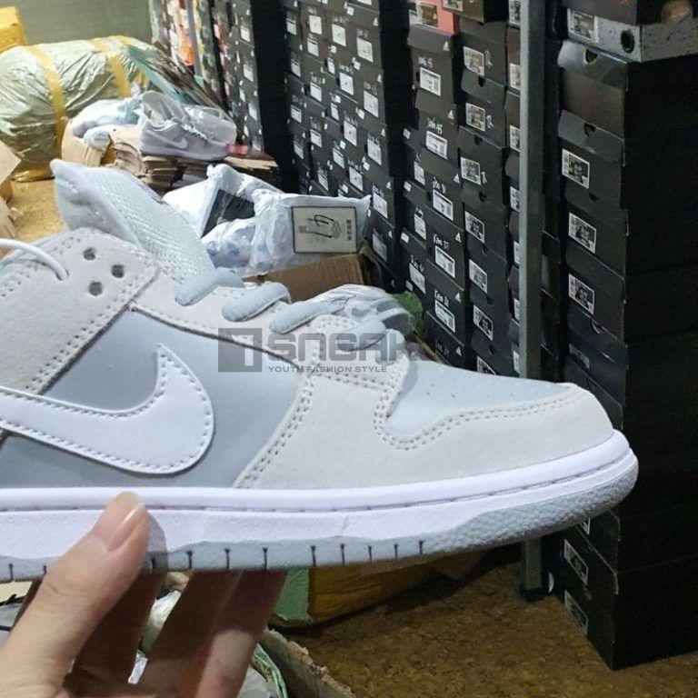 Nike SB Dunk Low Summit White Wolf Grey mặt bên