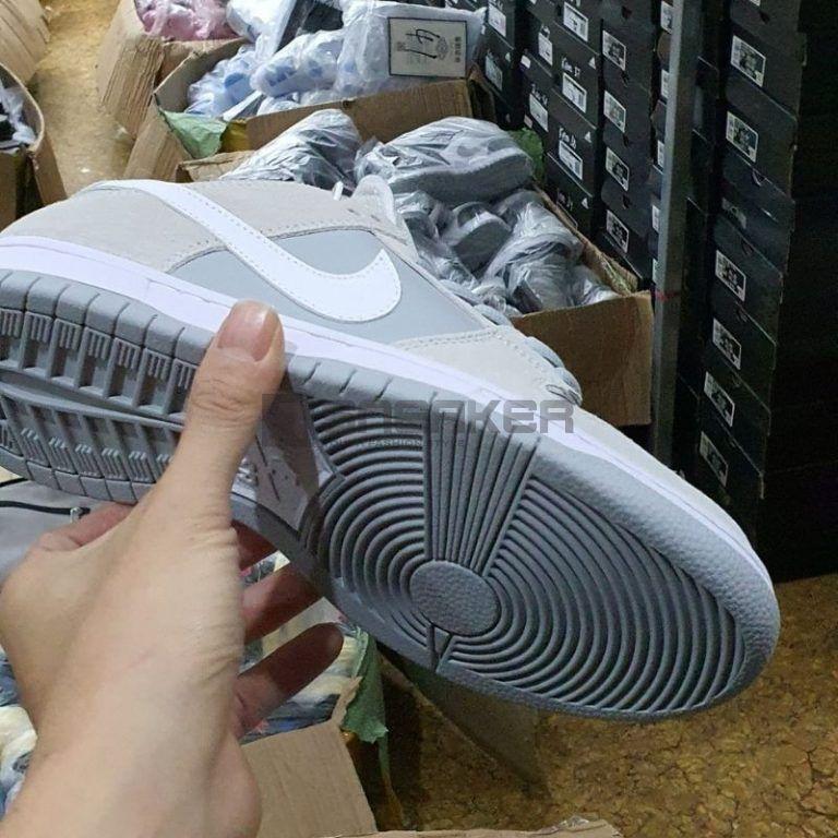 Nike SB Dunk Low Summit White Wolf Grey mặt đế