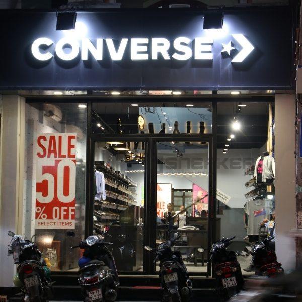 Shop giay sneaker tai Ho Chi Minh 2