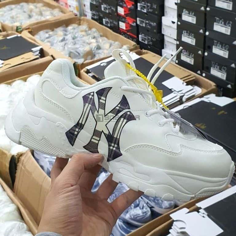 Giày MLB new york yankees Logo Kẻ hàng chuẩn replica giá tốt nhất