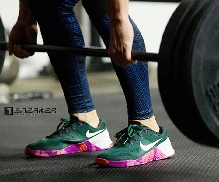 Giày nike nữ tập gym