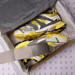 Giày Balenciaga Track 3.0 Vàng với hộp giày