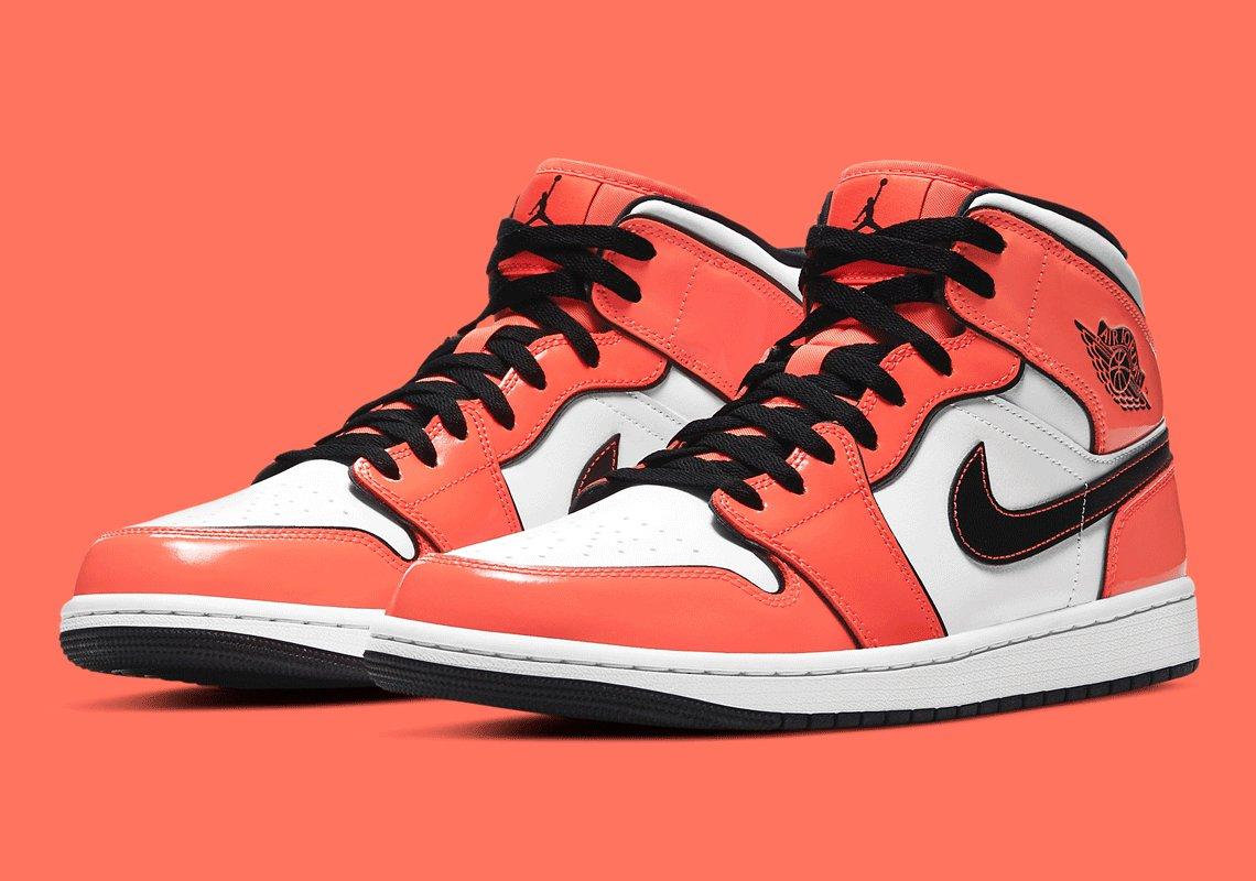 Giày Nike Air Jordan 1 Mid Turf Orange